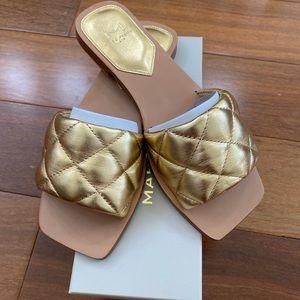NIB Marc Fisher Reta Sandal in Gold Leather